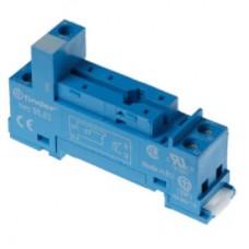 Розетка с винтовыми клеммами (с зажимной клетью) для реле 40.31; применяются модули 99.01; в комплекте металлическая клипса 095.71; версия: синий цвет; упаковка 10 шт.