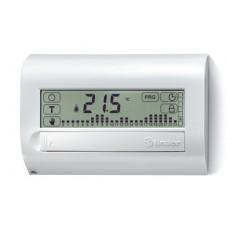 1C7190030007, Комнатный цифровой термостат с недельным таймером Touch Basic; сенсорный экран; питание 3В DС; 1СО 5А; монтаж на стену; цвет белый